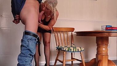 Cock Mad Married Granny Fucks The Pizza Delivery Guy