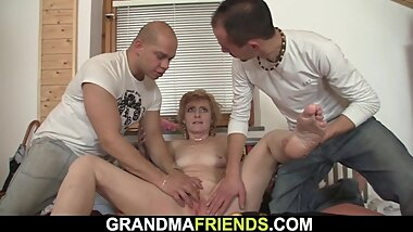 Very hot grandma pleases two delivery men