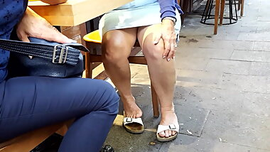 Granny sexy legs feets, accidentally upskirt
