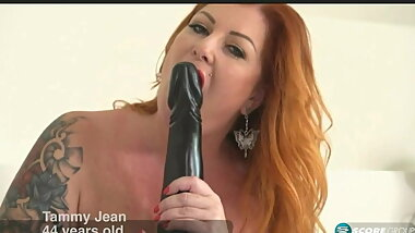 Tammy show her big and long dildo and wait for visiting