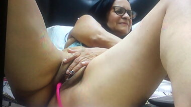 Granny rubbing that pussy for me